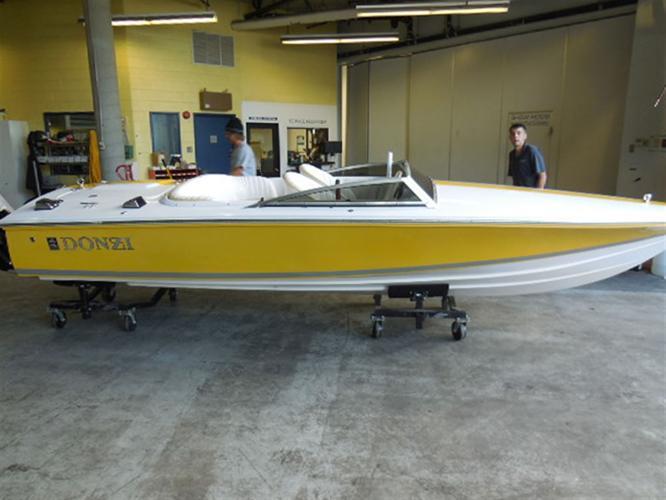 2006 Donzi Marine Inc 18 CLASSIC - Longueuil