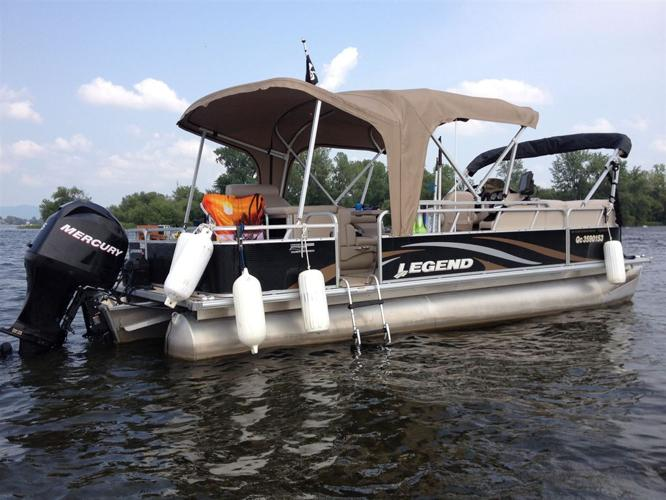 2013 Legend Boats Ltd BAYSHORE 24,3 BAYSHORE - CHAMBLY