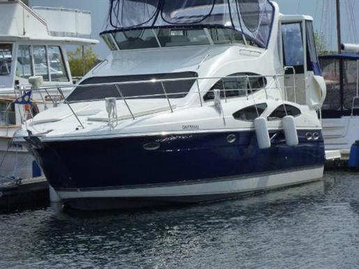 2006 Cruisers Yachts 385 Motor Yavht