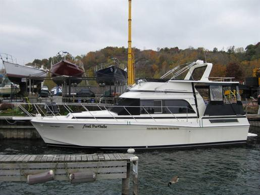 1985 Chris Craft 426 Catalina in Toronto, Ontario