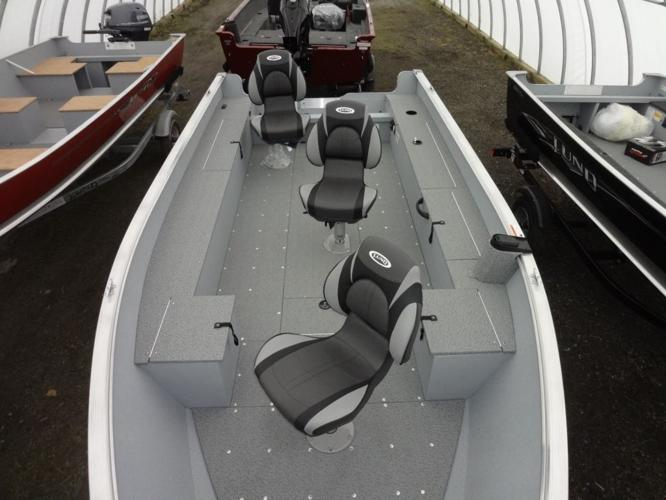 2014 Lund Boat Co 1600 Alaskan Tiller, $19,279 - Norwood