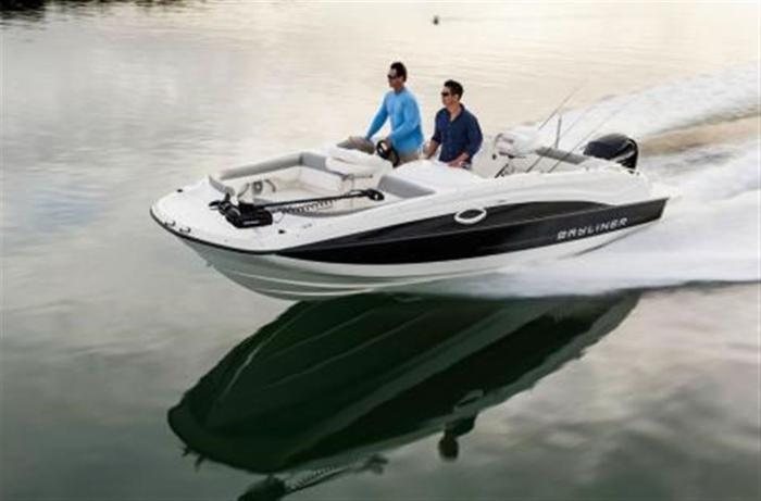 2014 Bayliner 210 Deck Boat - Kingston