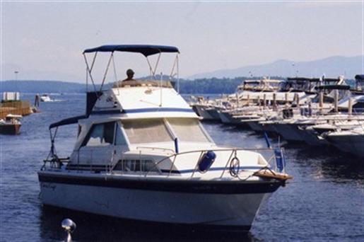 1980 Chris Craft Catalina 330