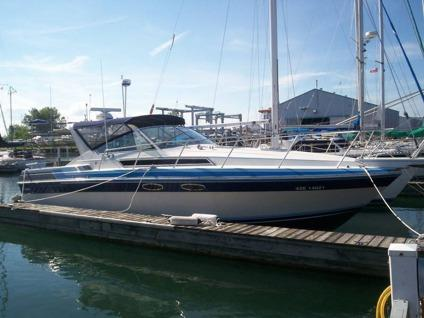 32 foot WELLCRAFT st. Tropez Customized- reduced to sell in London, Ontario