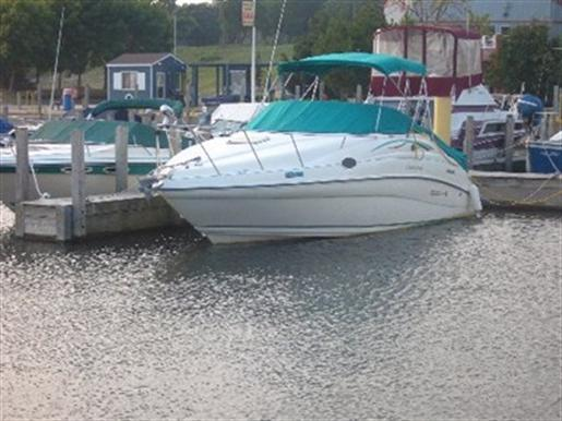 1996 Rinker 266 fiesta vee in Harrow, Ontario
