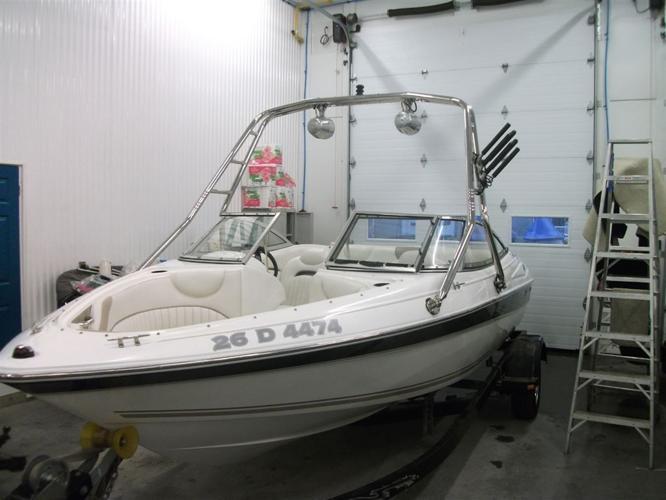 2005 Doral Boats Bateau de plaisance 19 pieds - Disraéli