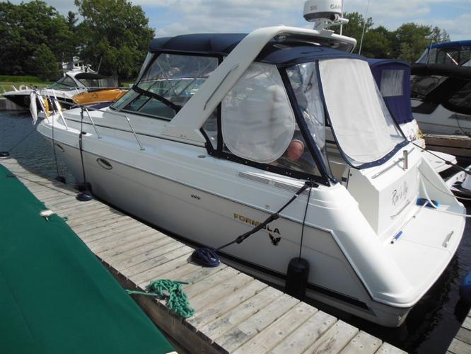 2000 Formula Yachts 31 PC Power Cruiser, $74,900 - OTTAWA
