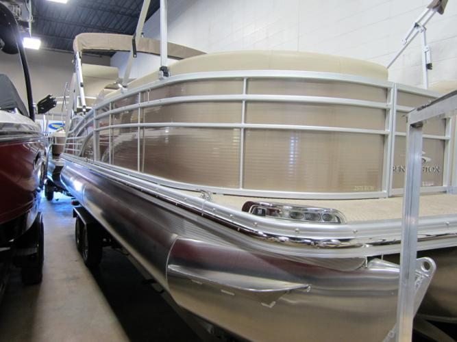 2012 - Bennington Boats - 2575 RCW LTD in Calgary, AB