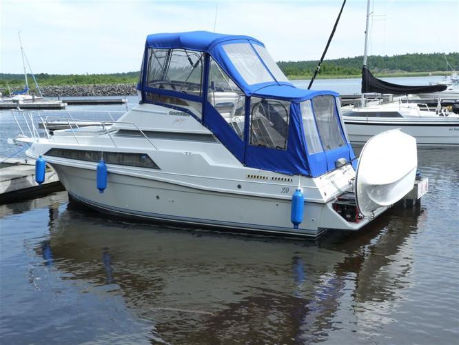 1992 Carver Yachts Santiago Sleeps Six, $22,900 - MILTON