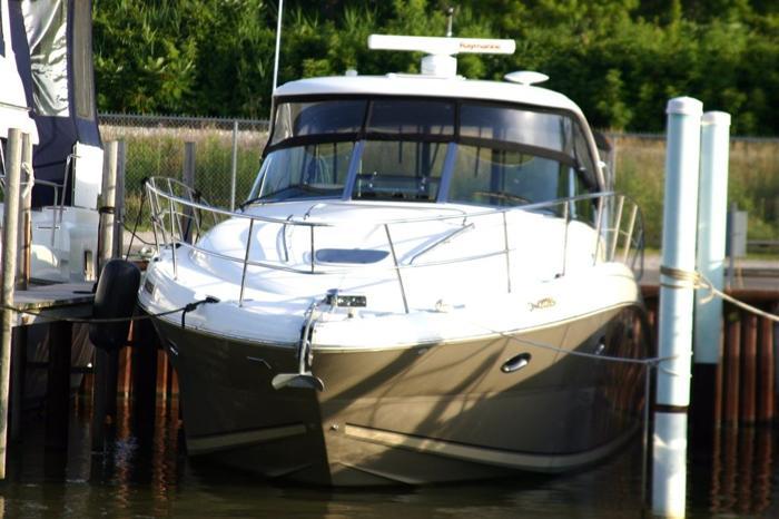 2006 Sea Ray 380 Sundancer, $188,800 - WINDSOR